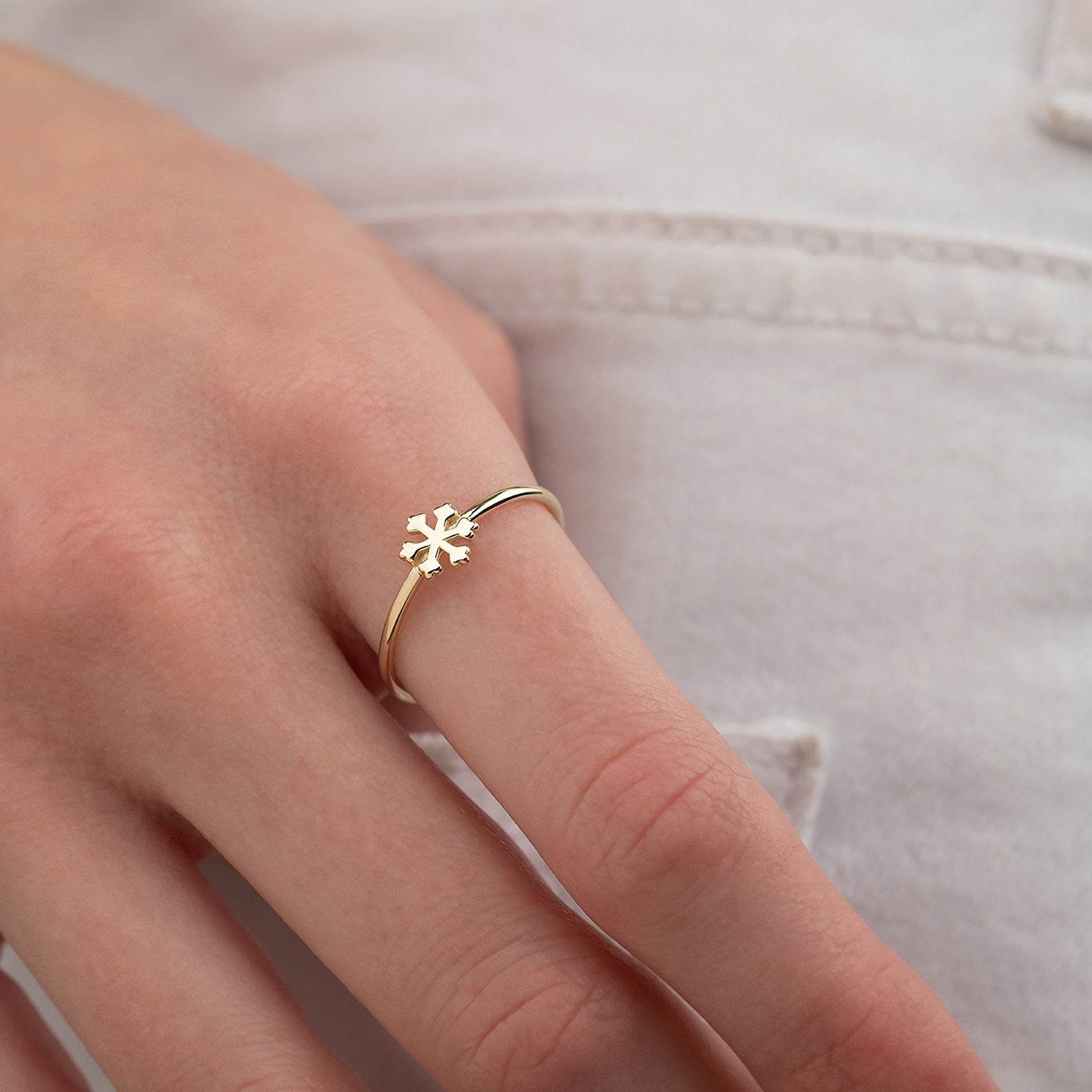 Kar Tanesi Figürlü 14 Ayar Altın Şans Yüzüğü